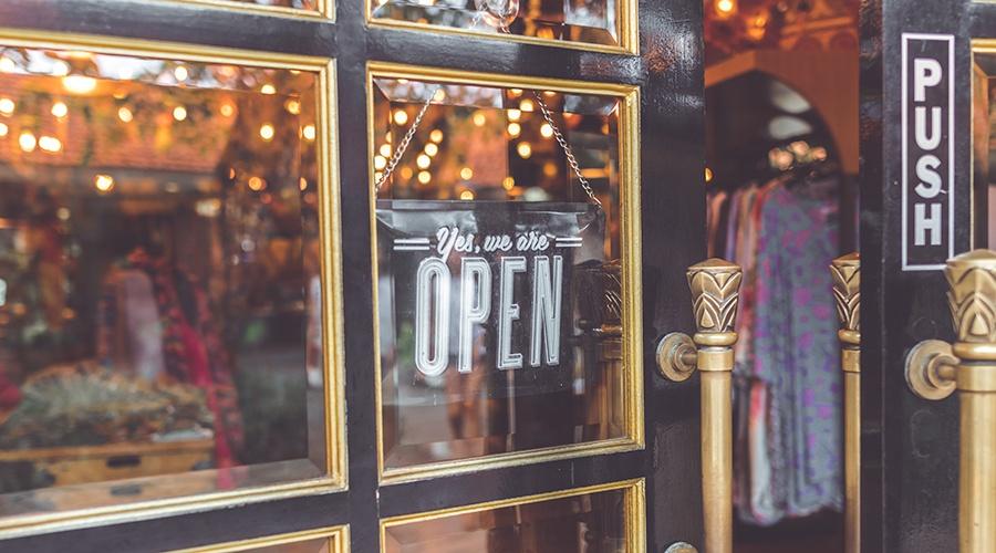 retail-door-open-sign-social