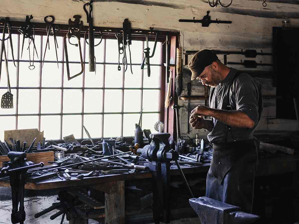 service-repair-workshop.jpg