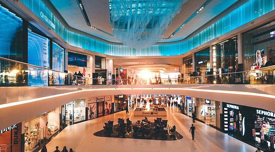 Large number of retail boutiques inside a shopping mall